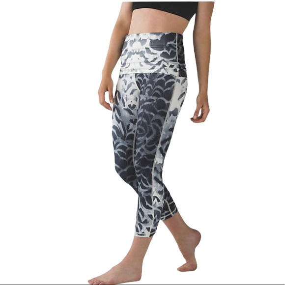 Lululemon Special Edition skirt/Legging Dance pant